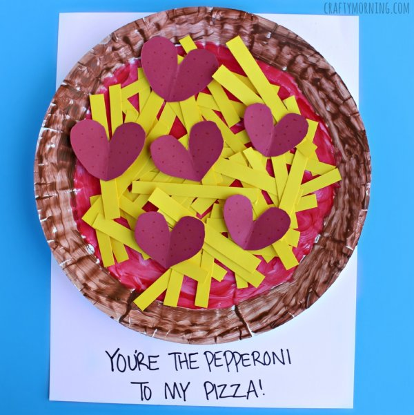 Awesome paper plate pepperoni pizza Valentine craft.