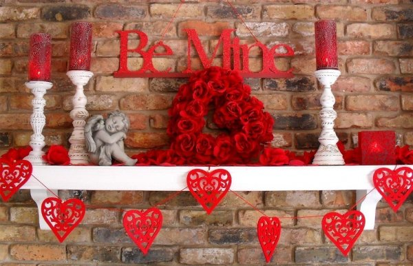Beautiful Be Mine Valentines day party decor.