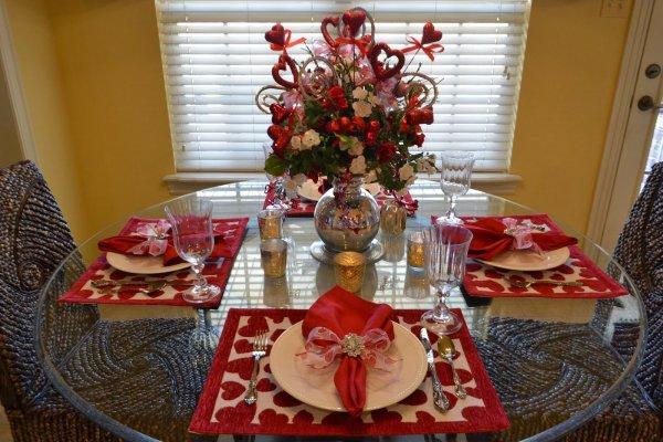 Beautiful Valentine's day centerpiece.