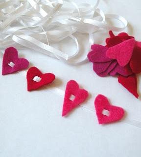 Bright pink felt heart garland.