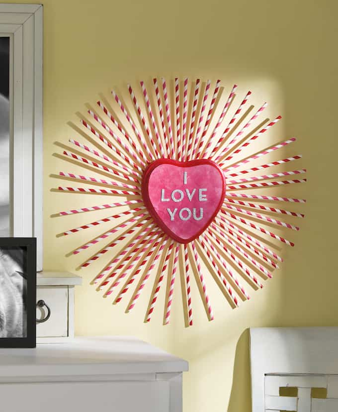 Charming paper straw heart wreath.