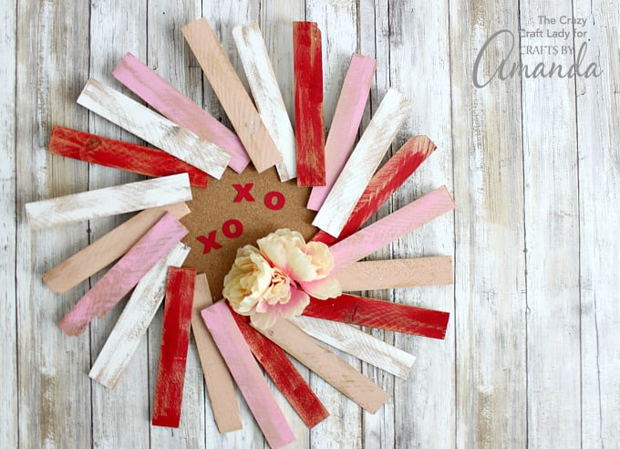 Chic wood slim wreath for Valentine day.