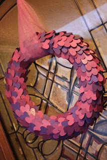 Cute paper heart wreath.