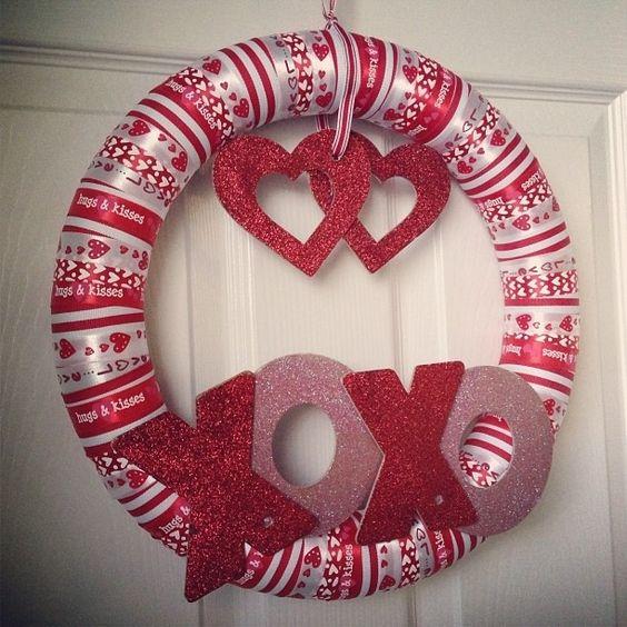 Cute valentine wreath.