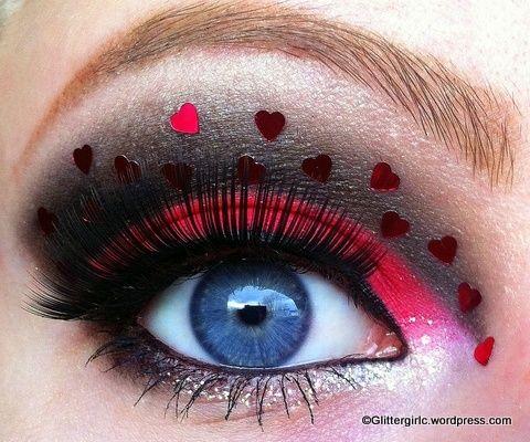 Dark smokey eyes with little hearts.