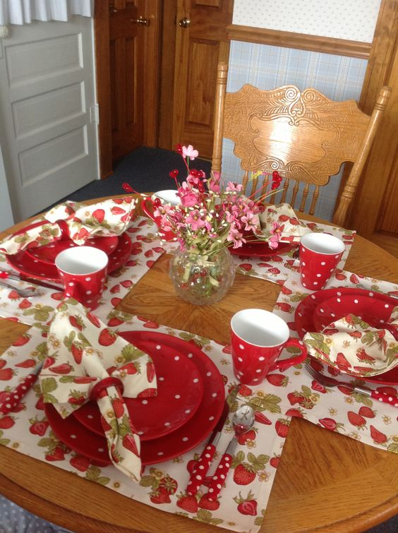 Decorate your table with strawberry & polka dot cutery.