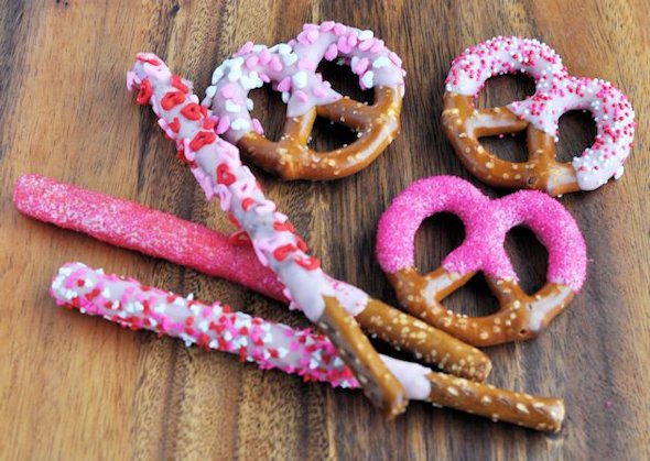 Dipped and decorated pretzels for Valentine day party.