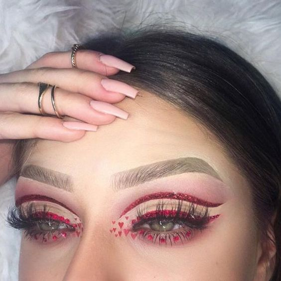 Dramatic eye makeup for love day.