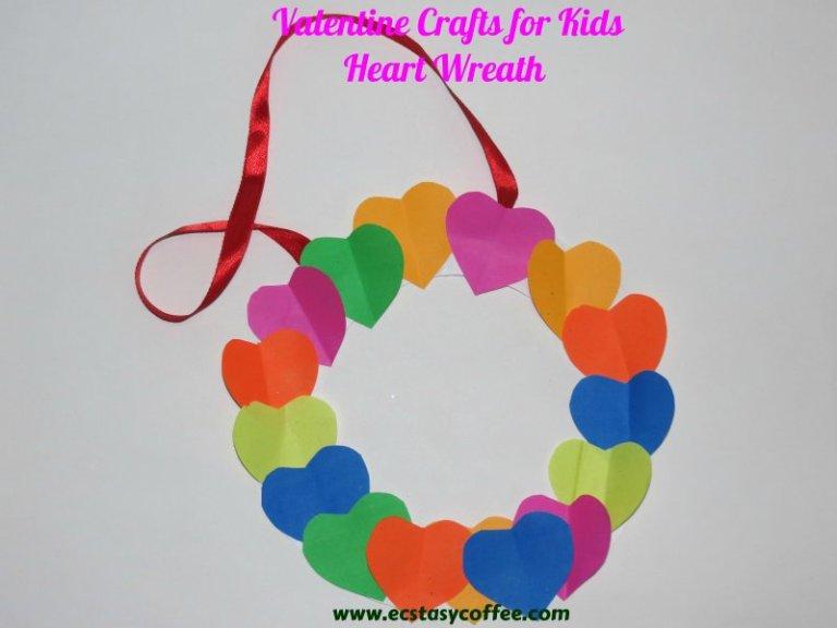 Easy heart shape paper wreath.