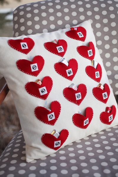 Fabulous 14 kisses pillow advent calendar