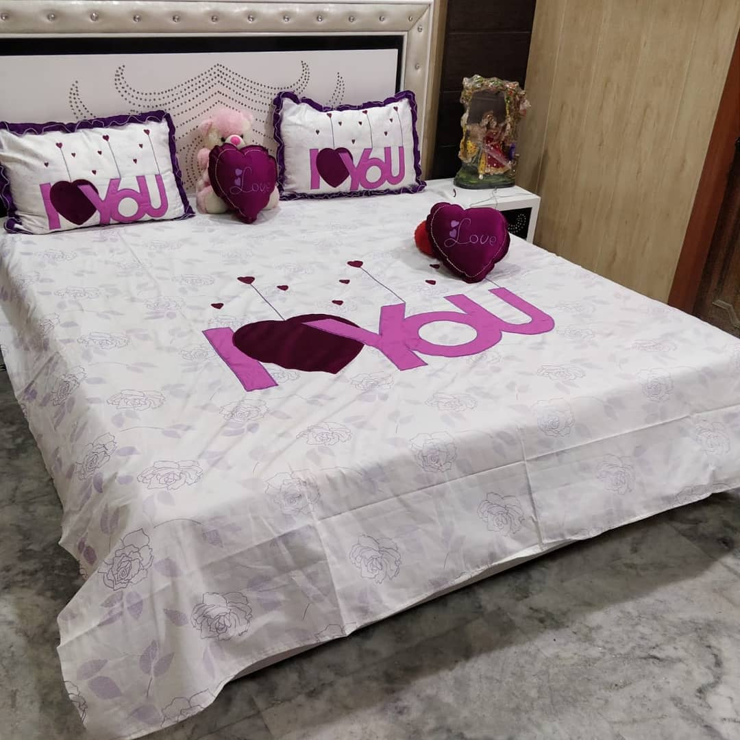 Fabulous I Love You print bedding.