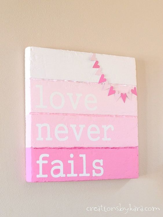Faux wood Valentines day sign board.