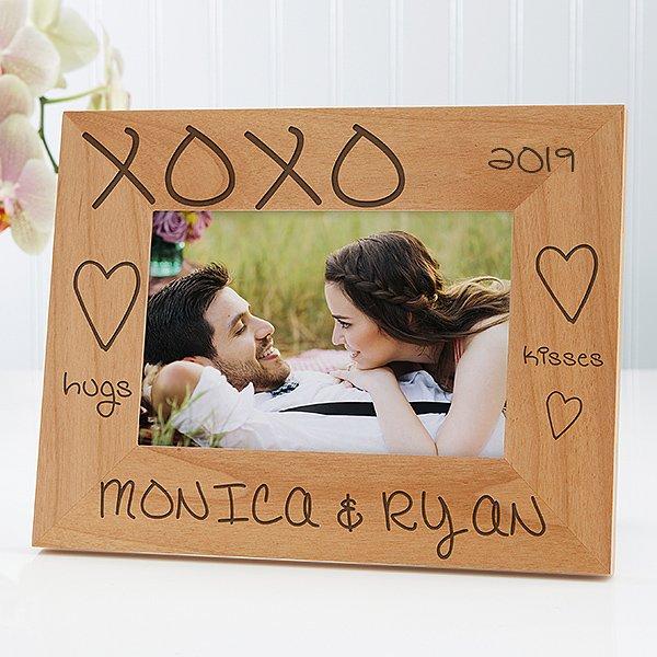 Hugs and kisses photo frame.