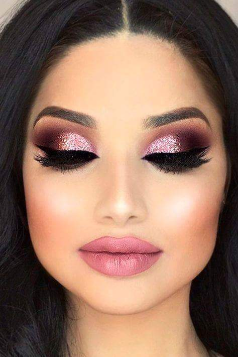 Ideal day night makeup for romantic day.