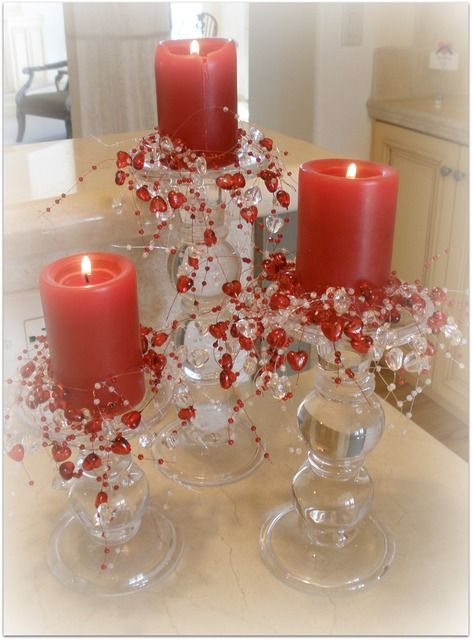 Impressive candle decoration for romantic day.