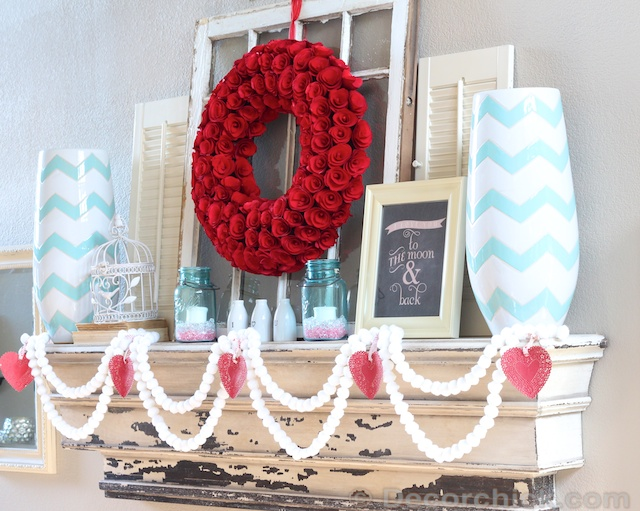 Impressive mantel decor with the hue of blues.