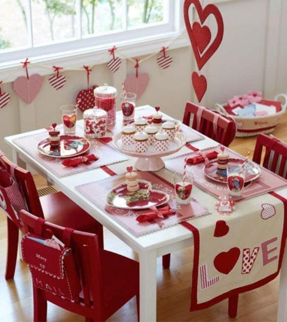 Irreplaceable romantic table decoration.