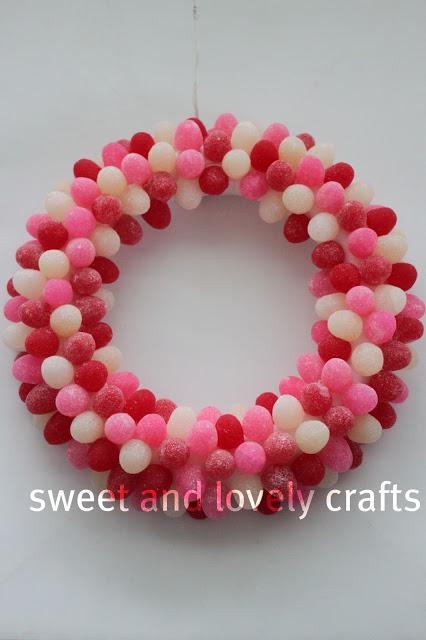 Lovely gumdrop Valentine's day wreath.