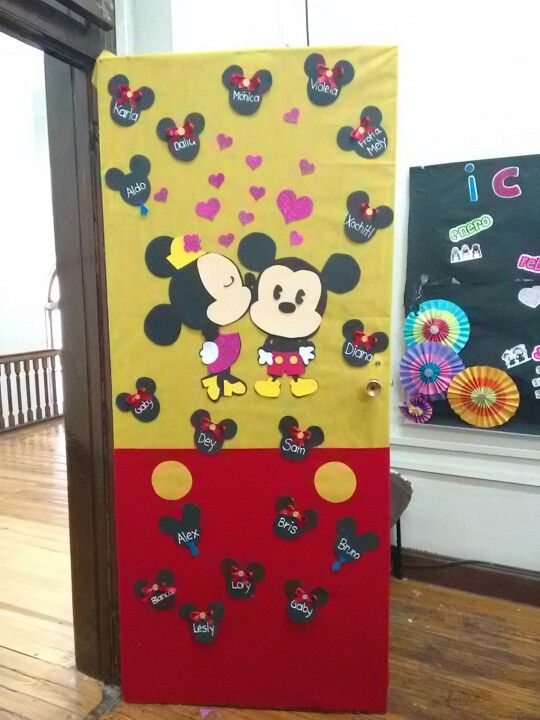 Mickey and Minnie love door decoration for classroom.