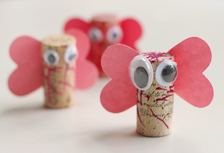 Nice cork love bug craft.