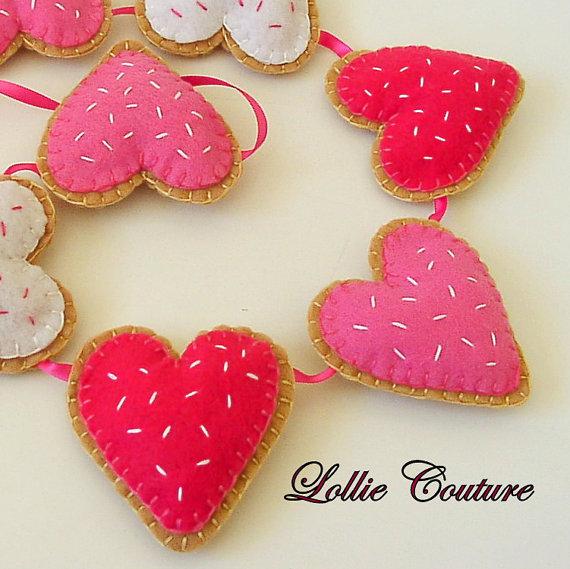 Nice heart sugar cookies garland.
