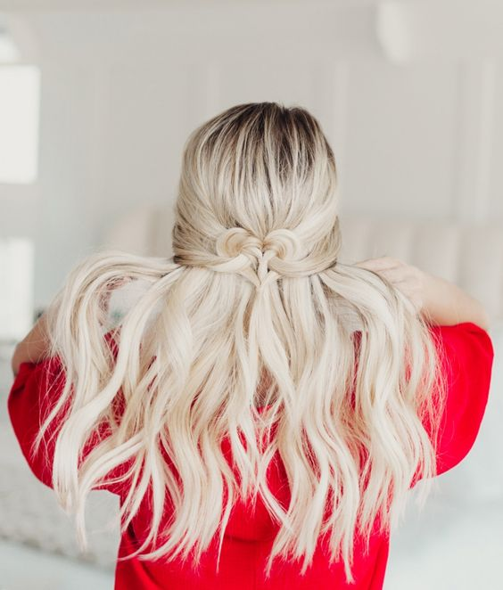 Perfect Valentines day hairstyle.
