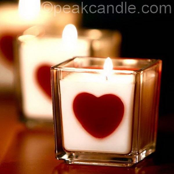 Perfect heart embed candles.