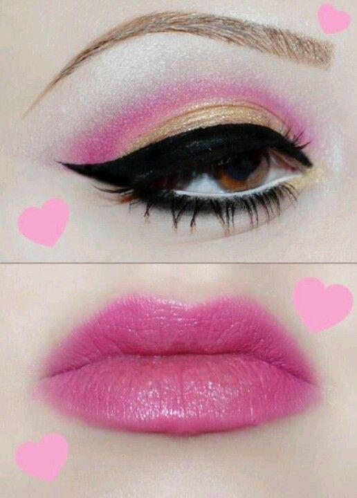 Pinkish makeup gives romantic look.
