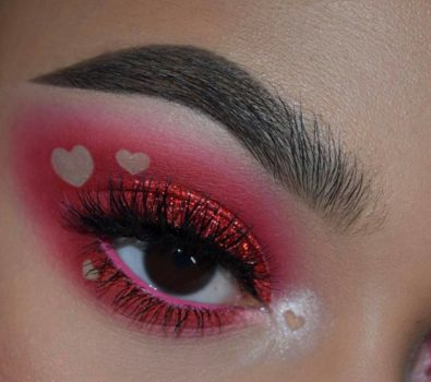 Pretty pink negative space glittery eyes.