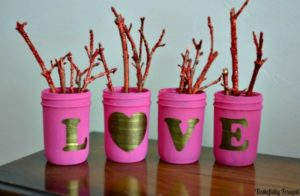 Pretty shabby chic love mason jars.