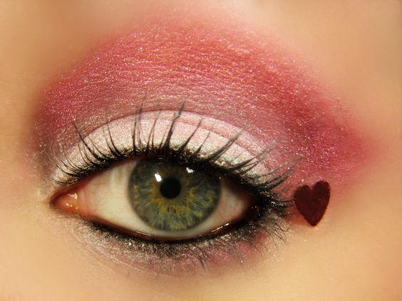 Ravishing pink eye makeup for lunch date.