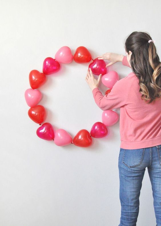 Red and pink balloon wreath.