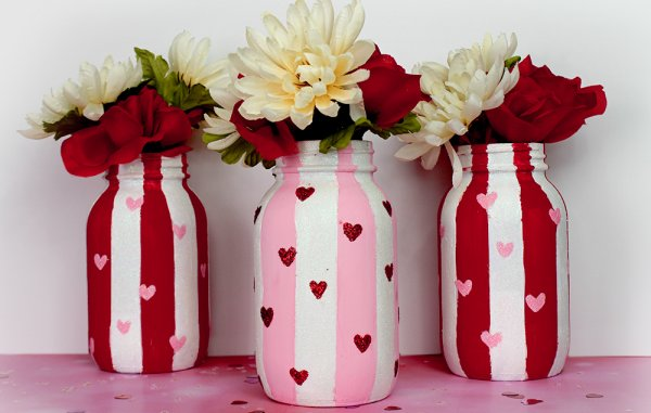 Red and pink stripes with little hearts flower pot mason jar.