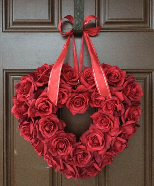 Romantic roses wreath for Valantine day.