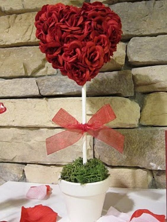 Romantic table centerpiece for Valentines day.