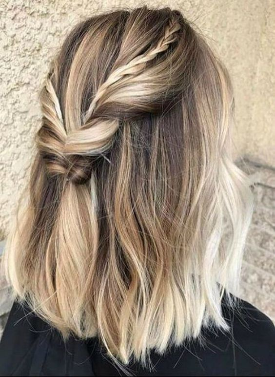 Simple hairdo for short hairs.