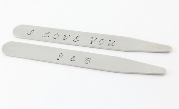 Stainless steel collar stays.