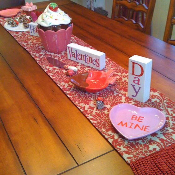 Superb idea to decorate table for Valentines day.