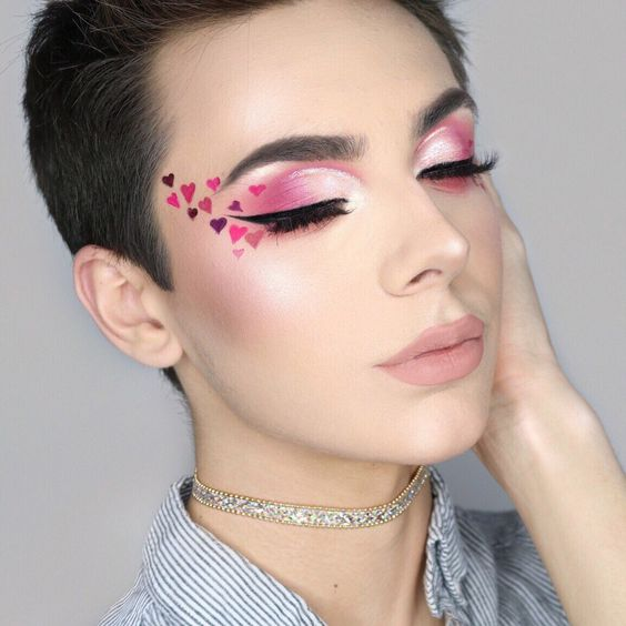 Try this makeup on this valentine day.