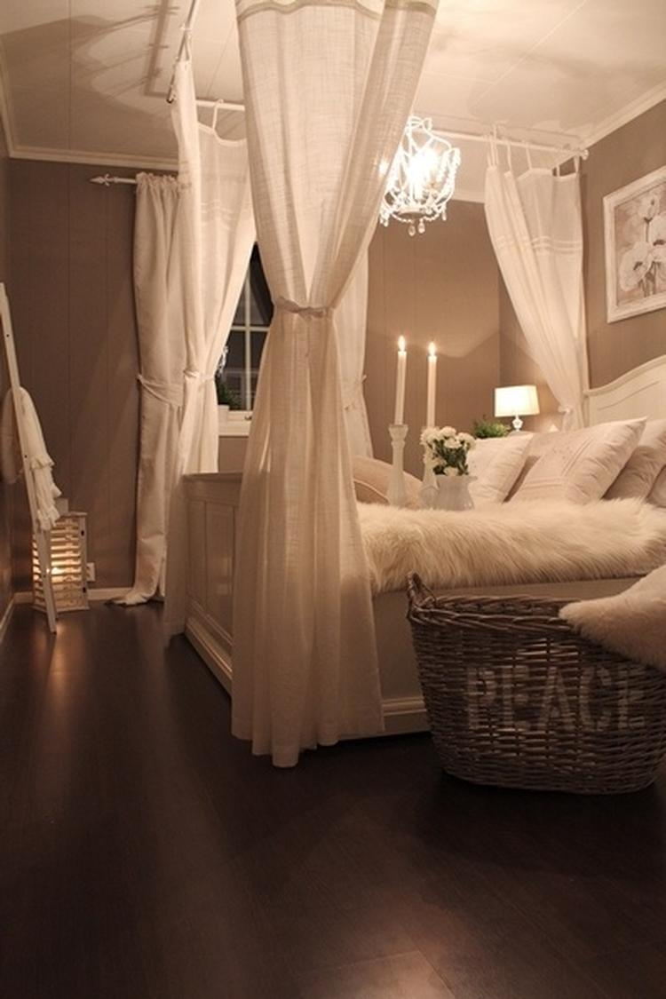 Winter wonderland bedroom decor.