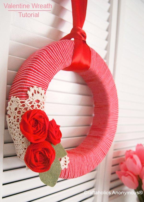 Yarn wreath for V-day.