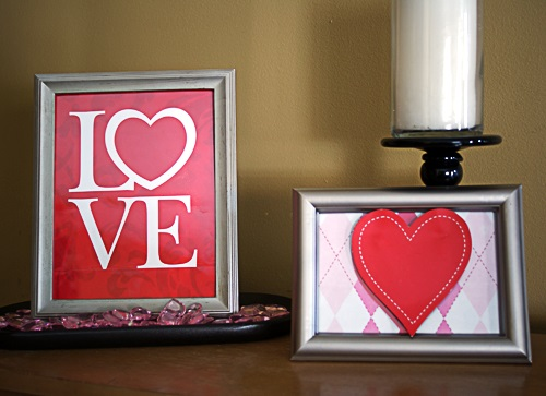 3D heart frame for Valentines day decor.