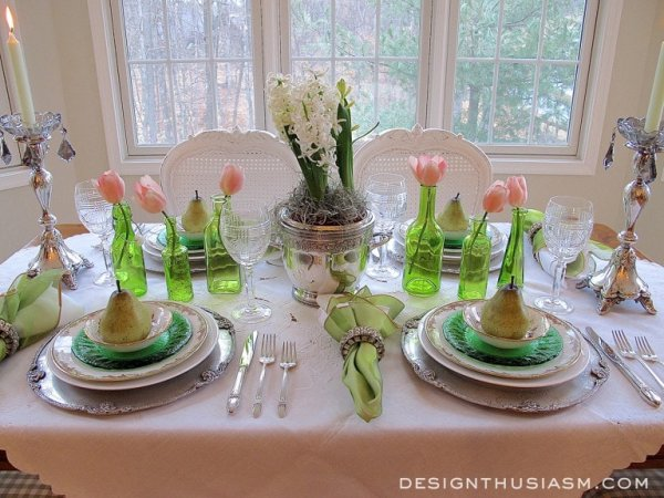 Beautiful table setting to wow your guests.
