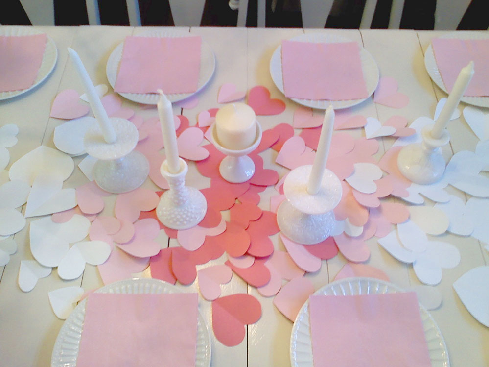 Easy table decor you can do on this Valentine's day.