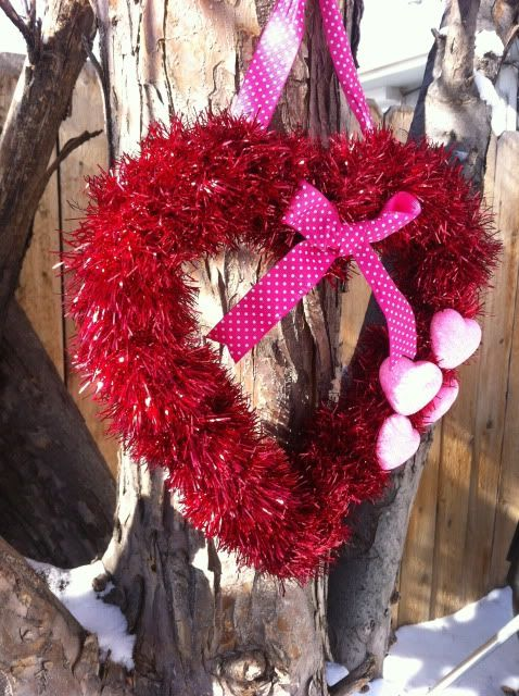 Gorgeous tinsel wreath for Valentine's day.