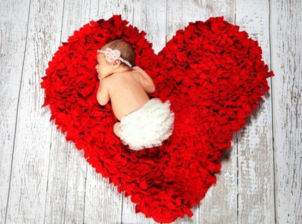New born baby photo-shoot idea.