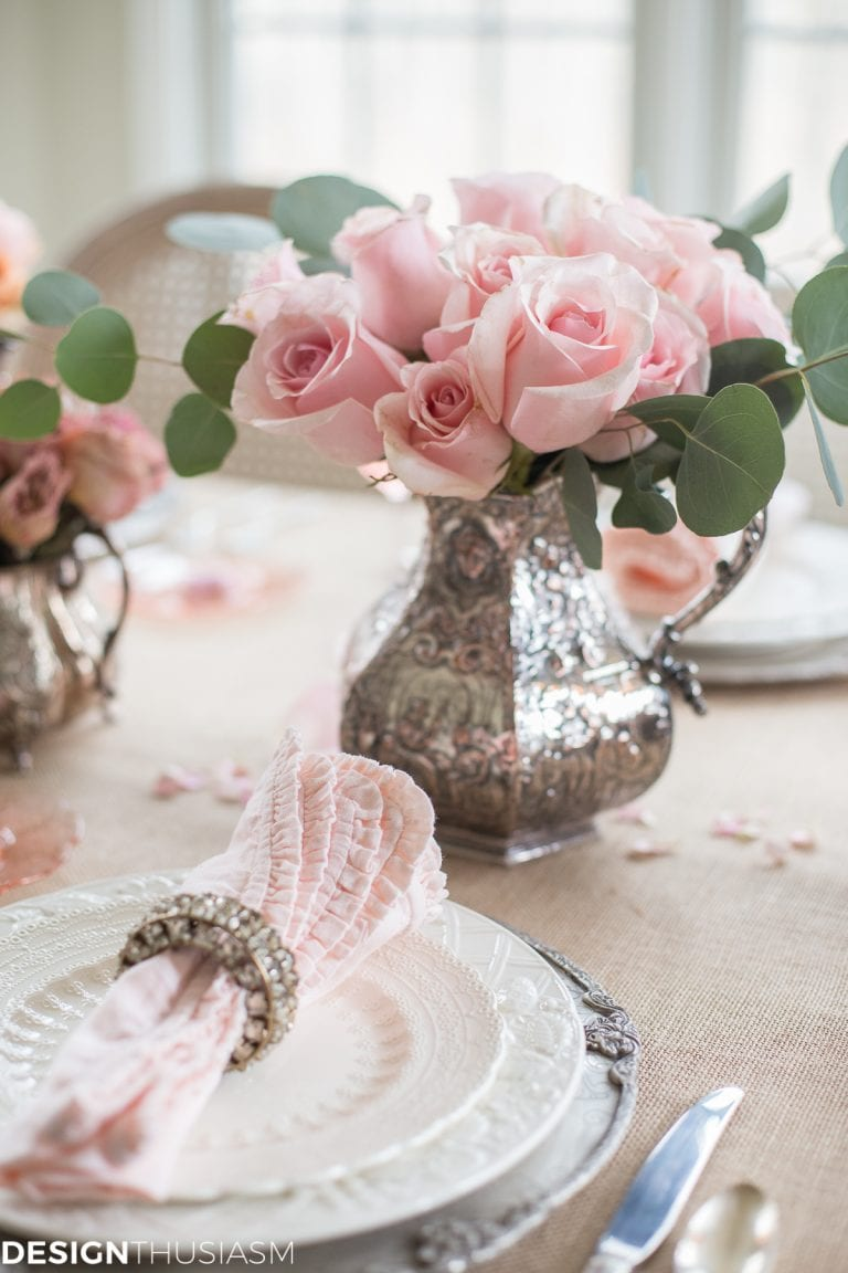 Pink theme table decor for romantic lunch.