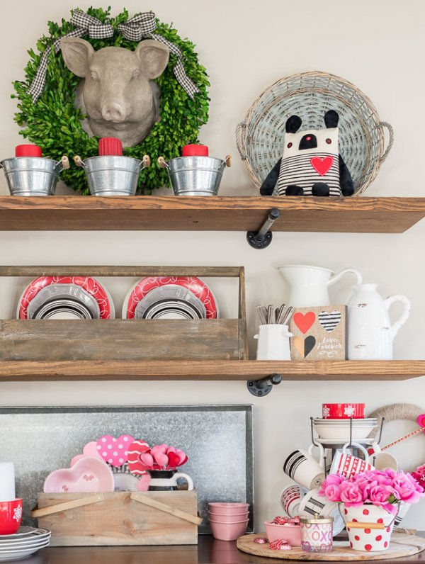 Simple red and pink kitchen decor.