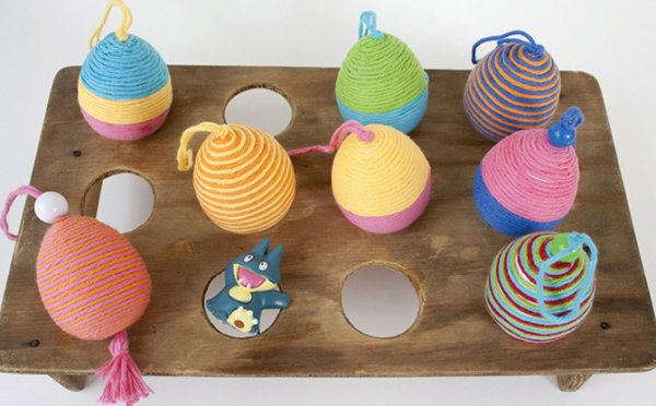 Cute yarn wrapped gobits eggs decor.