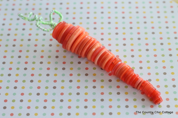 East to make button carrot.